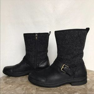 Ugg Robbie Boots size 8.5 womens